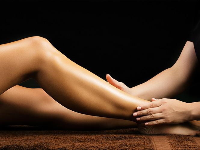 massage des jambes et pieds